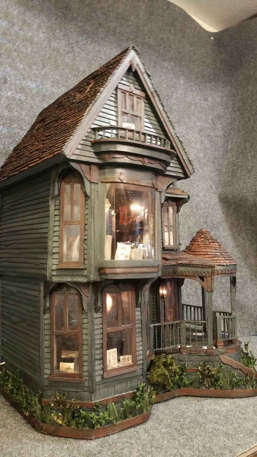 greggs miniature imaginations haunted mansion made out of cardboard. Black Bedroom Furniture Sets. Home Design Ideas
