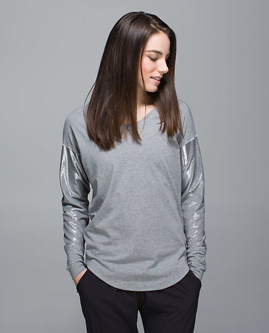 lululemon-weekend-ls-gray