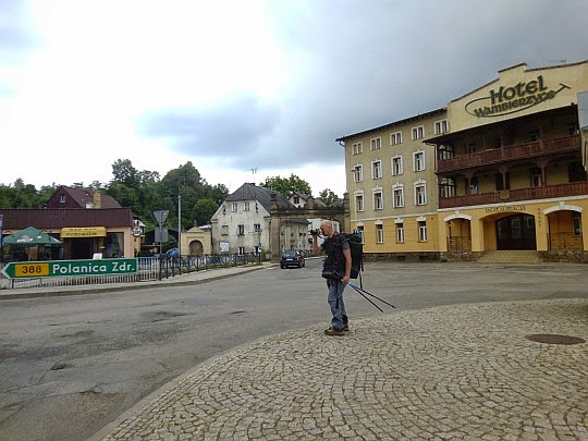 Wambierzyce (niem. Albendorf, czes. Vambeřice).