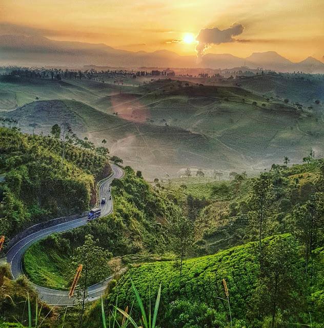 sunrise di bukit cukul