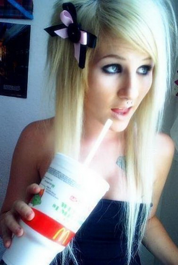 Emo Girls With Blonde Hair 1