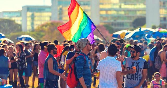 Homofobia pode ser indício de atração pelo mesmo sexo - André Kummer