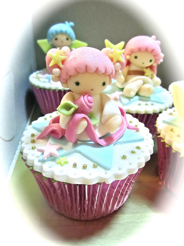 Sweet April The Story Of April Little Twin Star Cupcakes