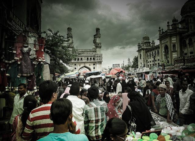 Laad Bazaar near Charminar -Famous for Pearls and Bangles - Hyderabad Indai