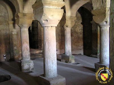 NORROY-LE-VENEUR (57) - L'église Saint-Pierre (intérieur) - Crypte romane
