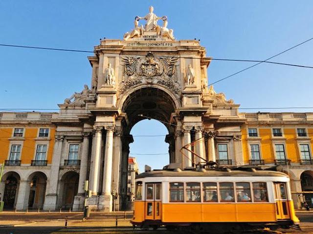 Passeio de elétrico em Lisboa