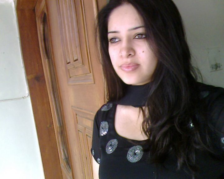 Pakistani-Real-Girls-Whatsapp-Phone-Numbers-Name-Place