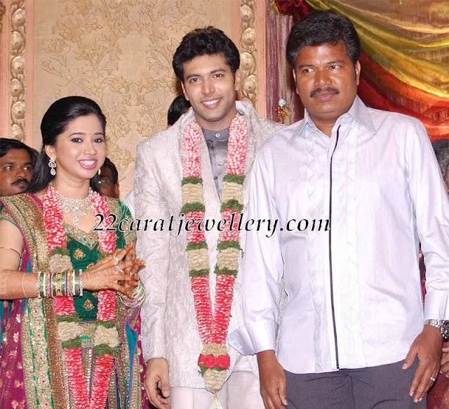 Jayam Ravi Wife Aarthi In Diamond Necklace And Armlet