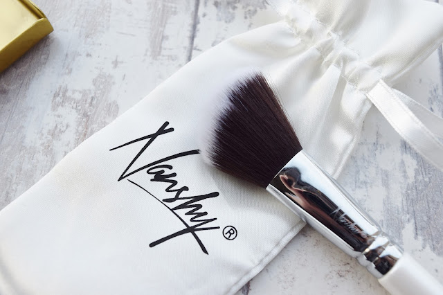 Nanshy Large Angled Contour Brush