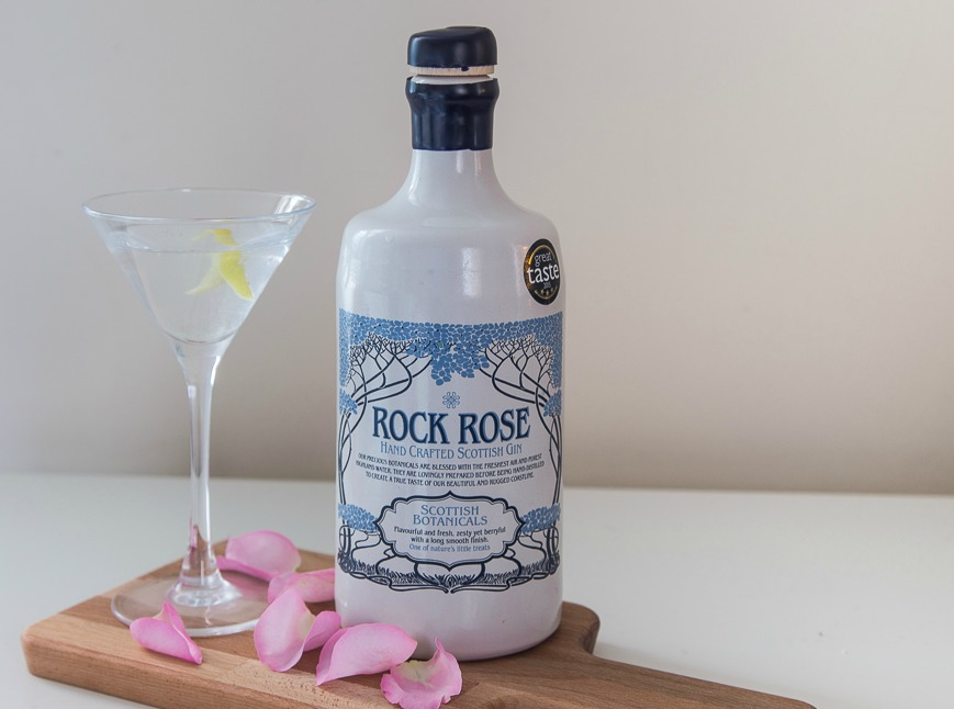 Rock rose gin martini