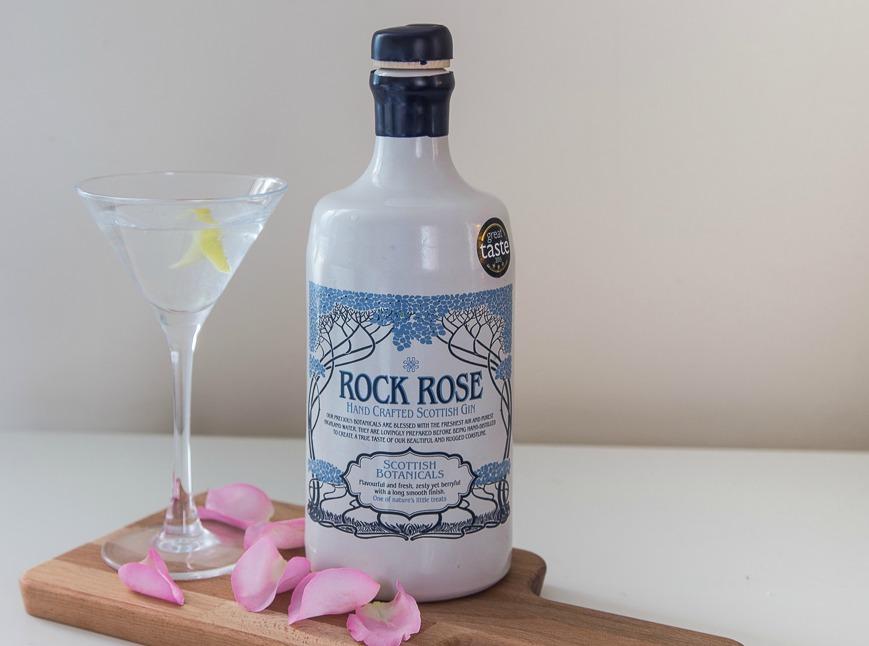 Rock rose gin martini