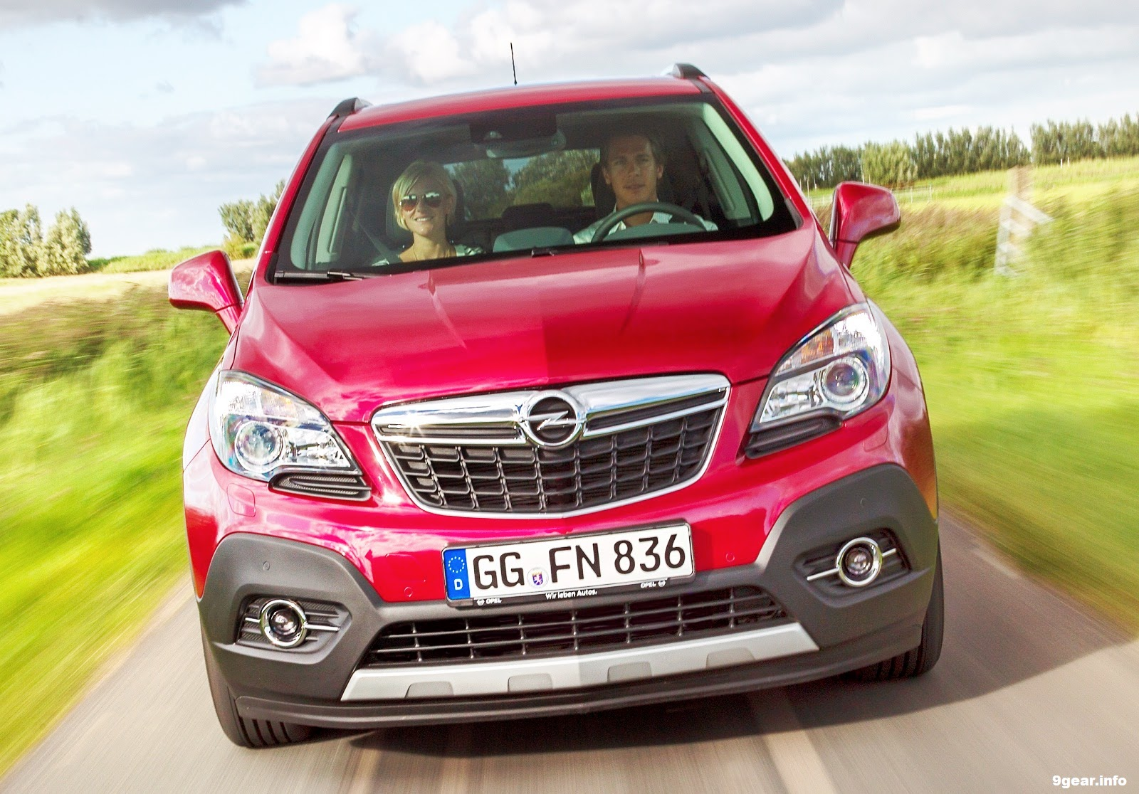 car reviews new car pictures for 2018 2019 2015 opel mokka compact in size big in attitude. Black Bedroom Furniture Sets. Home Design Ideas
