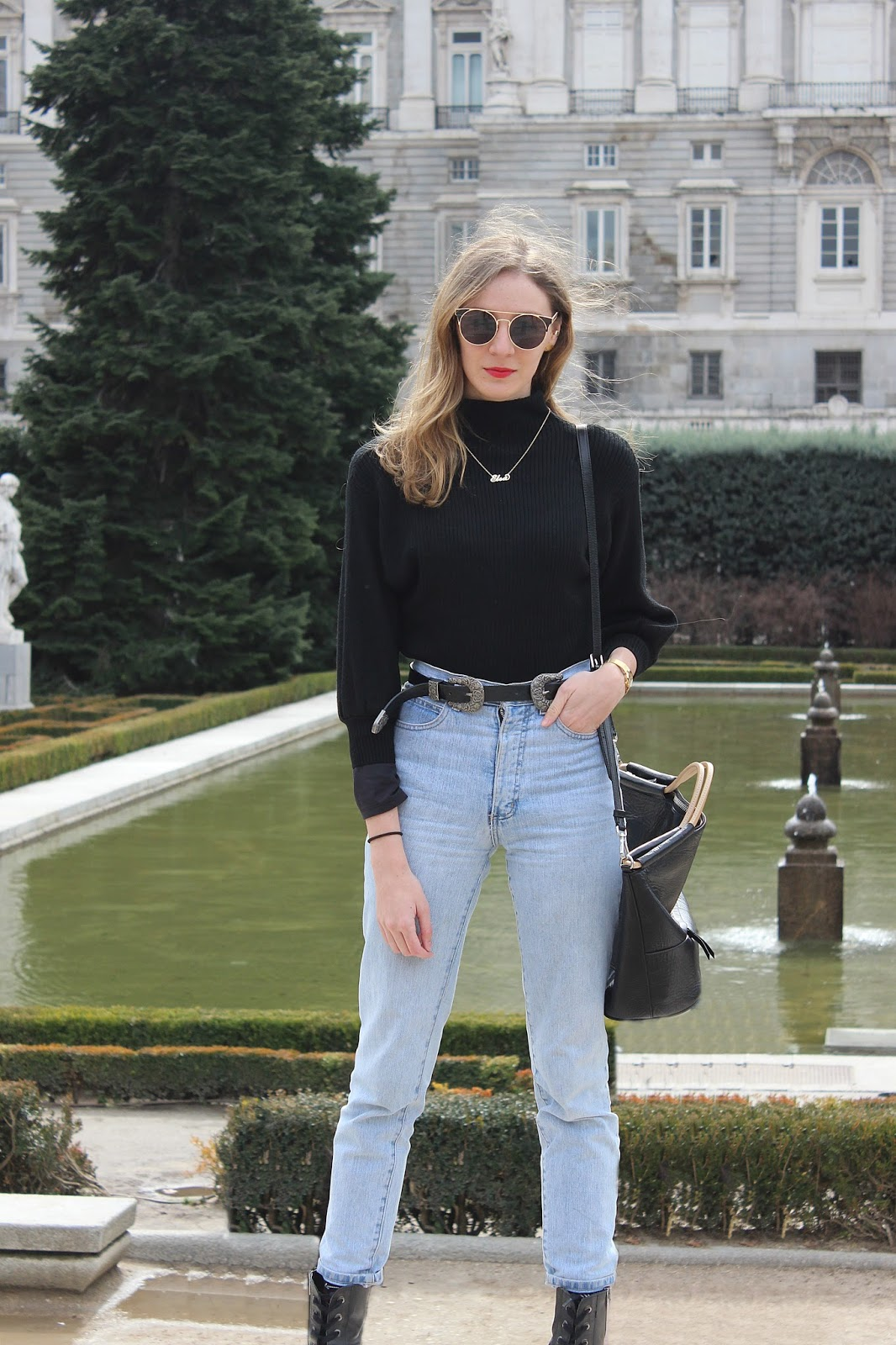 street-style-mom-jeans-militar-guess-boots-tblack-turtle-neck-zaful