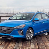 2017 Hyundai Ioniq Hybrid : Korea's is making an effort to out-Prius the Prius.