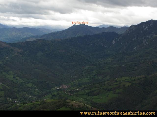 Ruta La Collada Monsacro: Vista de Brañavalera