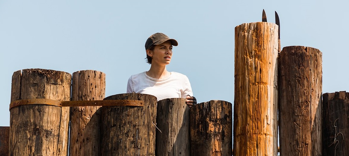 Maggie, vigilando la Colonia Hilltop en el episodio Hearts Still Beating de The Walking Dead