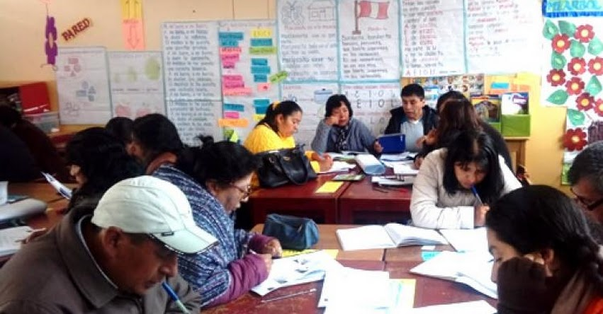 UGEL Andahuaylas capacita a cerca de 300 docentes del primer grado de primaria en alfabetización inicial - www.ugelandahuaylas.gob.pe