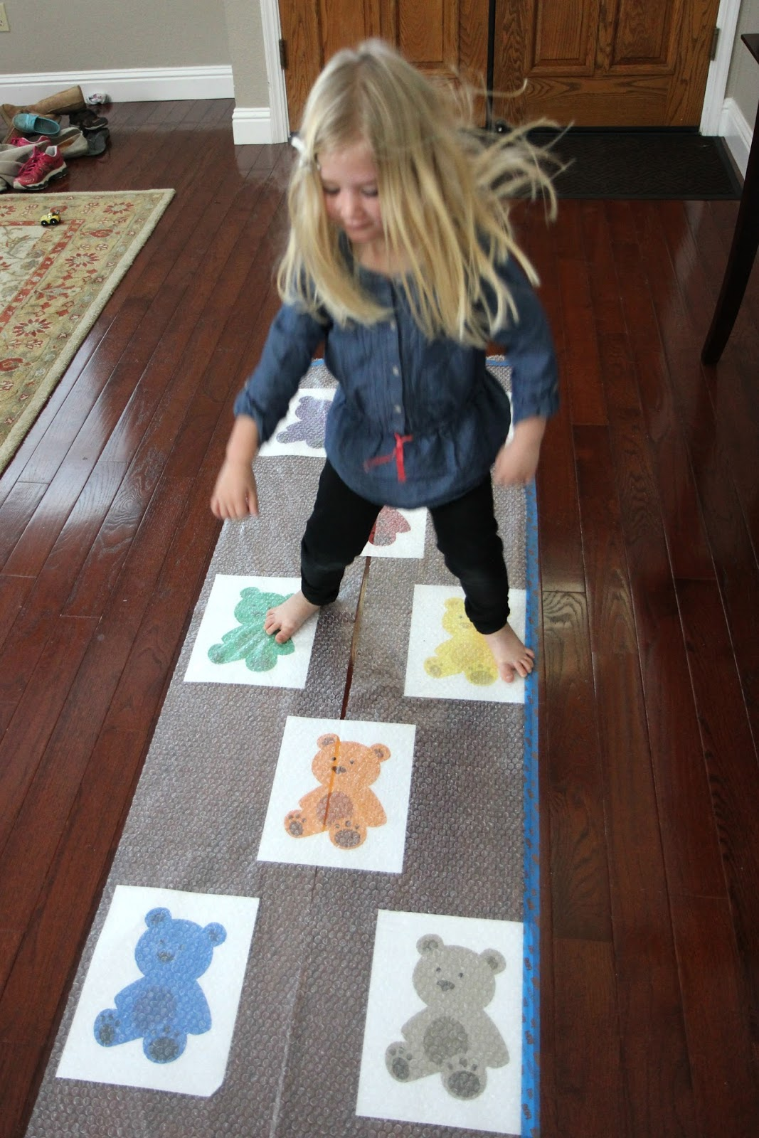 Toddler Approved Three Easy Bear Themed Activities For
