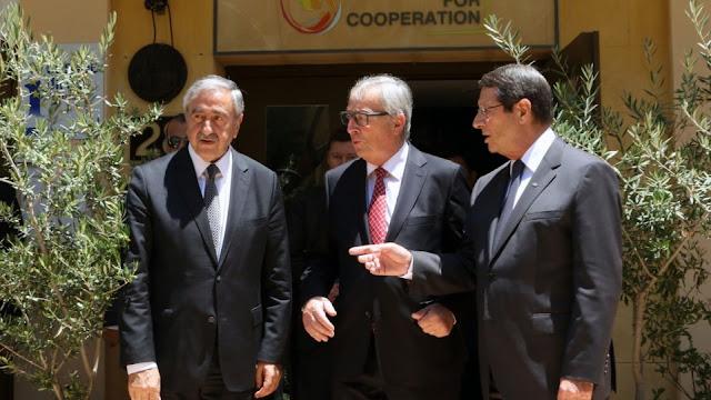 Ο Πρόεδρος της Δημοκρατίας κ. Νίκος Αναστασιάδης με τον Πρόεδρο της Ευρωπαϊκής Επιτροπής κ. Jean Claude Juncker και τον Μουσταφά Ακκιντζί
