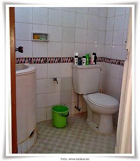 contoh desain kamar mandi rumah minimalis terbaru 2013