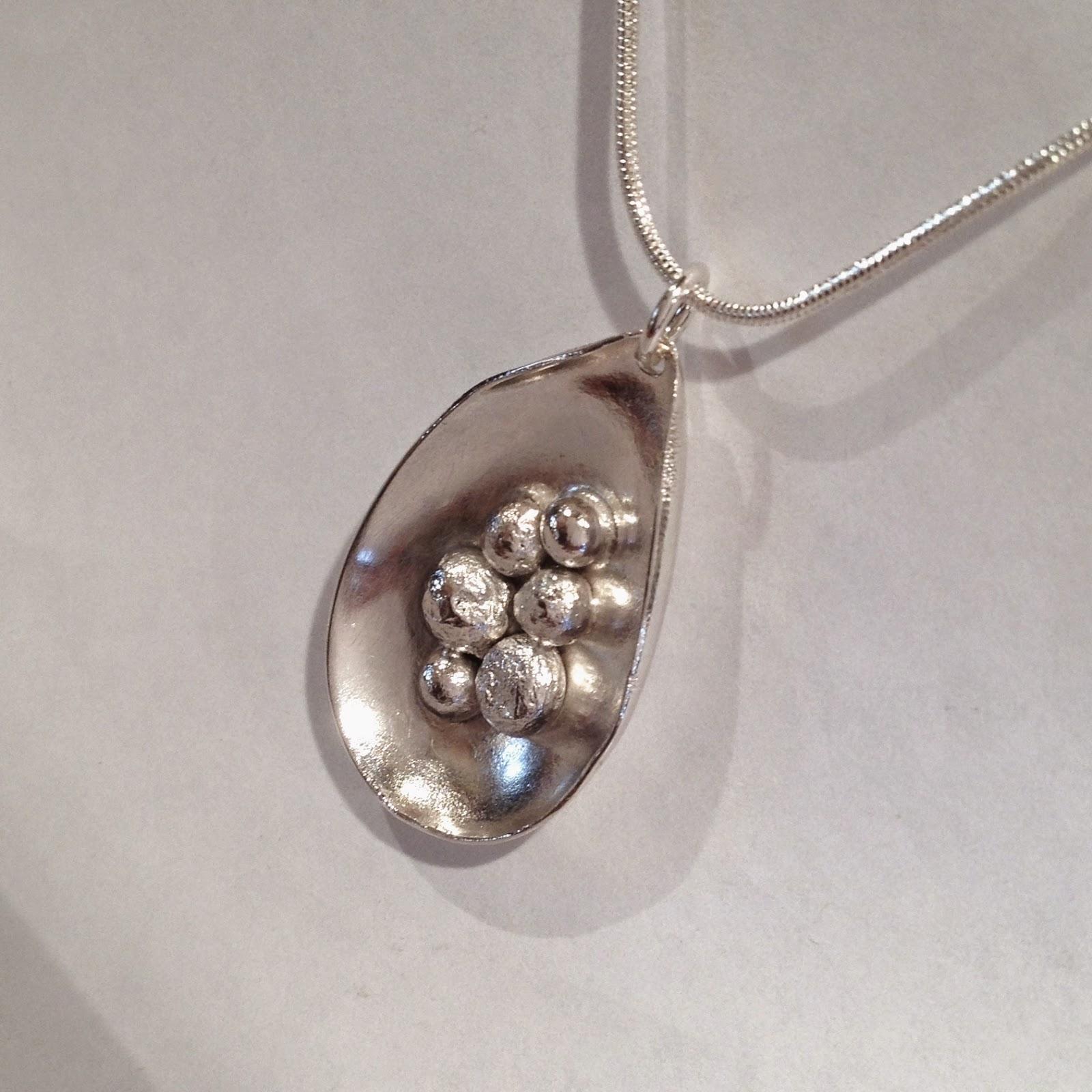 Halssmycke i äkta silver. Längd utan ögla  35 mm. 425 - + ev porto (kedja  ingår ej) (SÅLT!) 3cb16fa4a8e6b