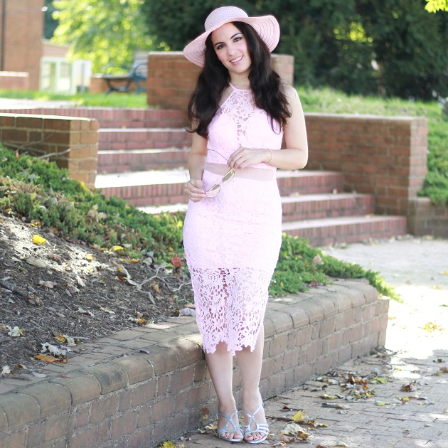 Ruigo Pink Lace Dress