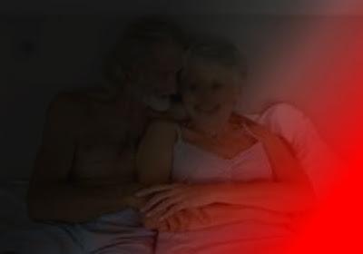 anziani amanti sconosciuti