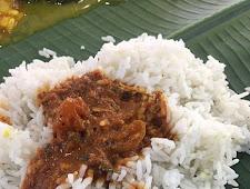 Beli Nasi Kari Di Resto Ada Hewan Berekornya,,Ngeriii.