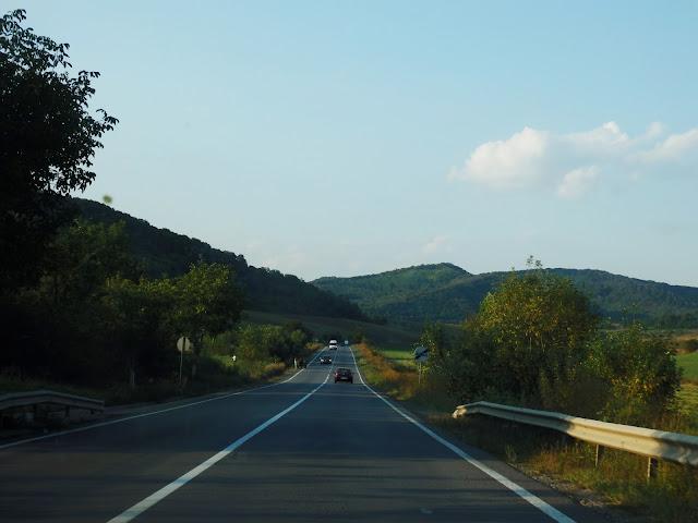 Jedna z główniejszych dróg (sierpień 2016)