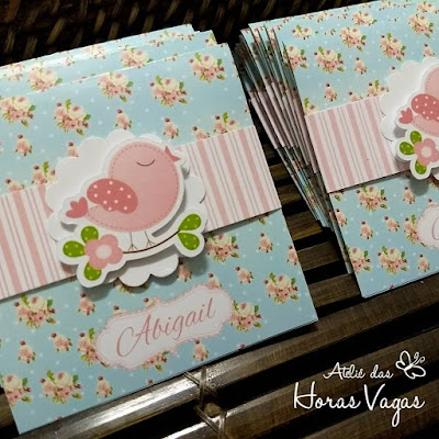 convite de aniversário infantil personalizado artesanal jardim encantado passarinhos floral azul e rosa shabby chic delicado 1 aninho menina