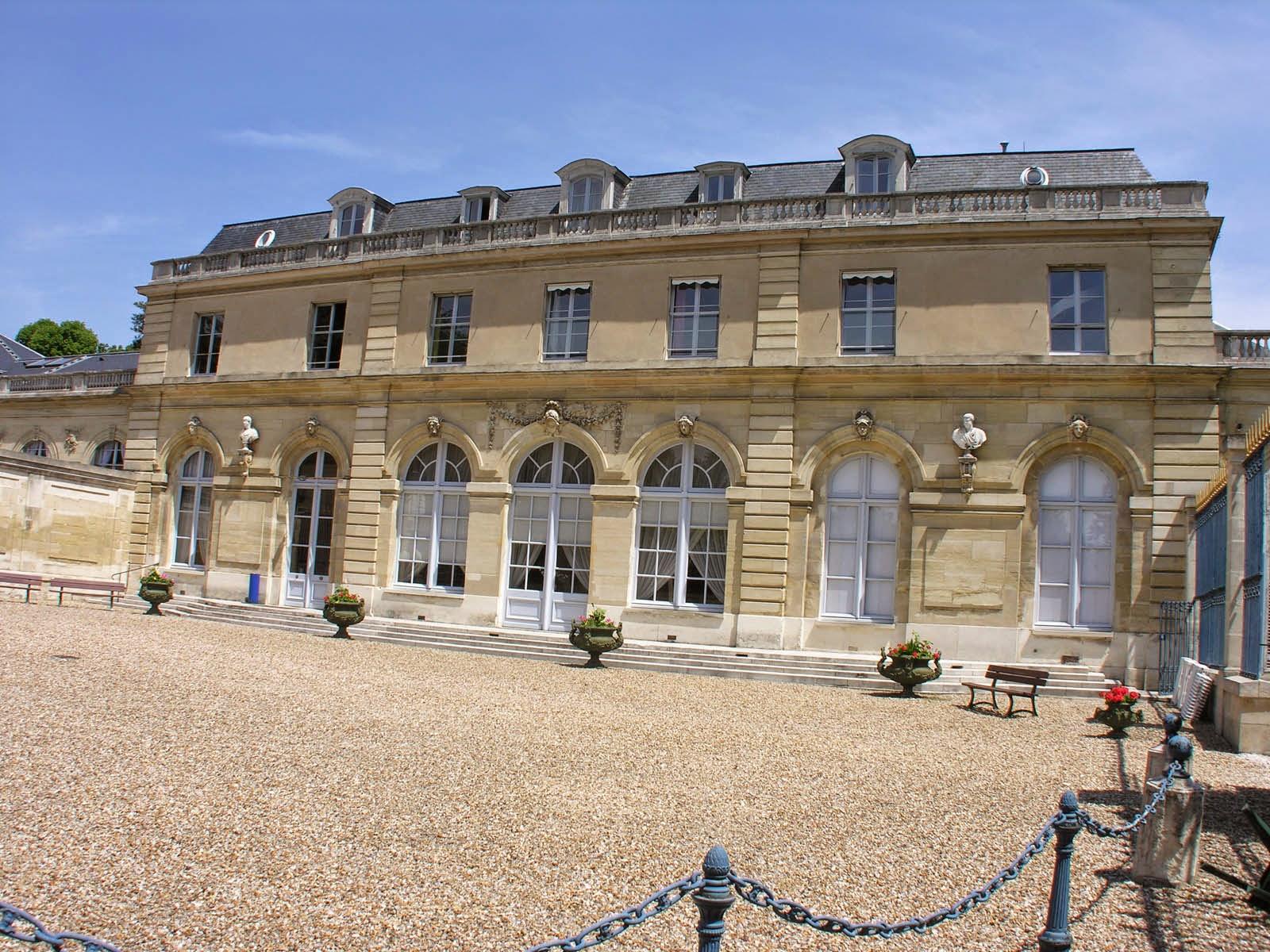Les Châteaux Royaux , Seigneuriaux et les villes Royales, Historique en Ile  - de - France: Les Châteaux construits-détruits, Chapitre N° IV