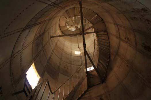 tangga ulir mercu suar pulau biawak indramayu
