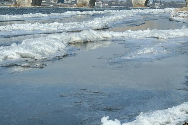 Toute cette glace... est-on encore à Blois ? (février 2012)