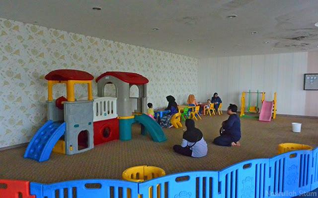 Ruangan bermain untuk anak-anak