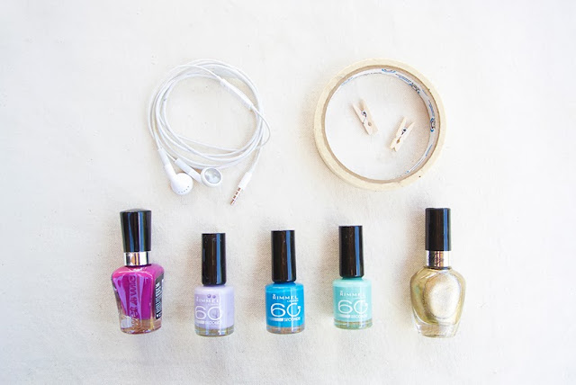 Diy how to color headphones head phones nail polish stripes gold neon tech accessories technology iphone