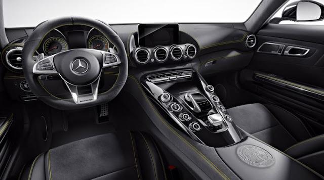 2017 Mercedes-Benz AMG GT R Interior