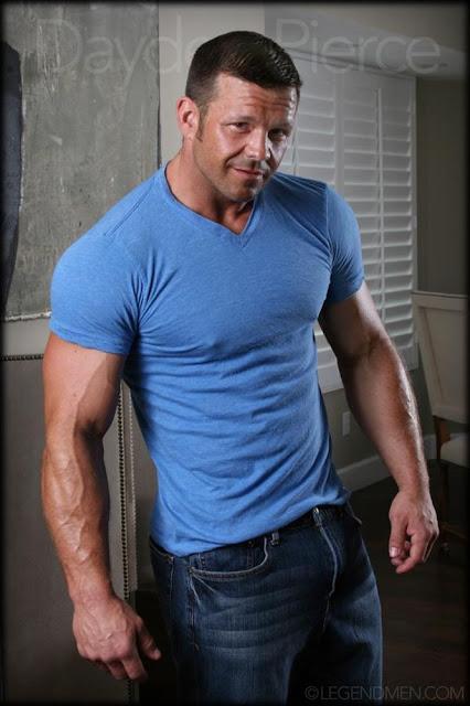 Dayden Pierce, desnudo, gay, Hombre, Homoerotico, Homosexual, Legend Men, miembro viril, modelo, musculoso, pornstar, stripper, velludo,
