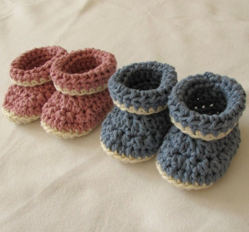 VERY EASY Crochet Cuffed Baby Booties - Tutorial