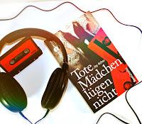 http://honest-magpie.blogspot.de/2017/05/rezension-tote-madchen-lugen-nicht-jay.html