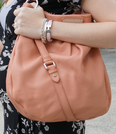 marc by marc jacobs hillier hobo blush pink worn on shoulder