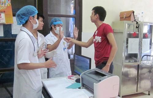 Rất nhiều bác sĩ bị hành hung ngay trong bệnh viện, do đâu?