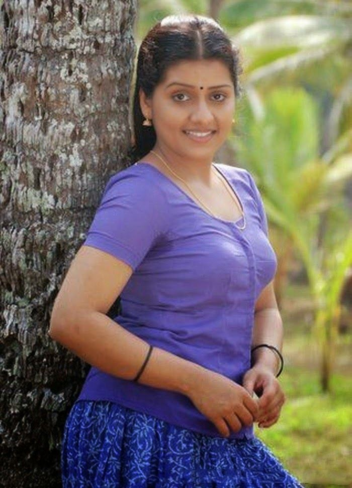 Malayalam actress sarayu hot photos in blouse