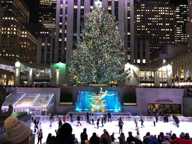 Pista de patinaje del Rockefeller Center bajo el mítico árbol de Navidad | turistacompulsiva.com