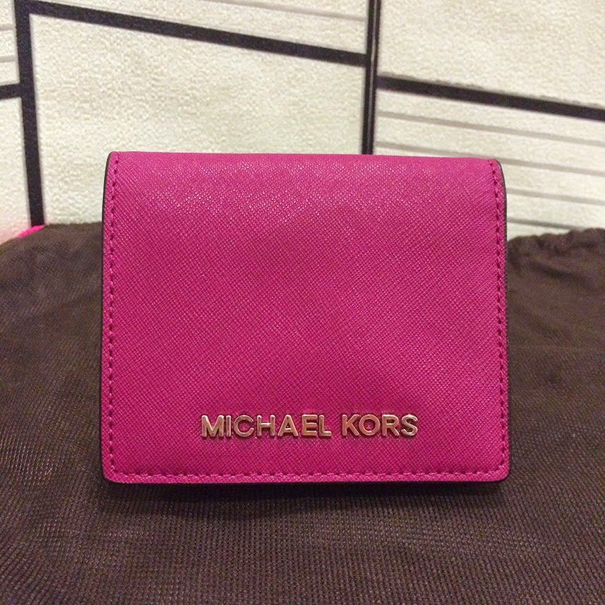 1bee34544d63 Michael Kors Jet Set Travel Flap Card Holder. Saffiano leather.