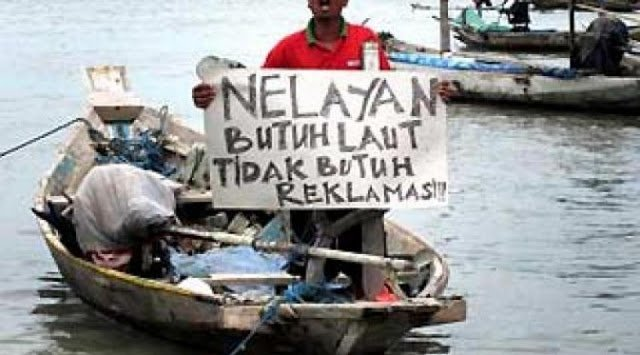 """Sejak Reklamasi, Nelayan Teluk Jakarta Cuma Dapat """"Ikan Sampah"""""""