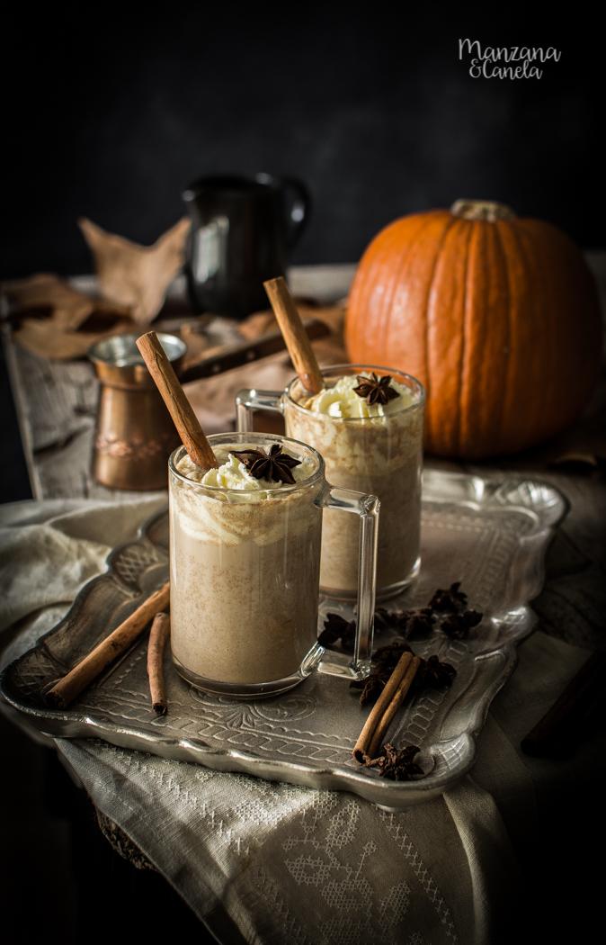 Pumpkin Spice Latte. Bebida caliente de café y calabaza.