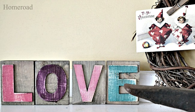 DIY Valentine Mantel . Homeroad.net