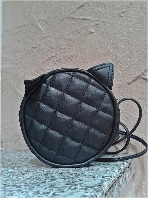 Czarna torebka z uszami kota