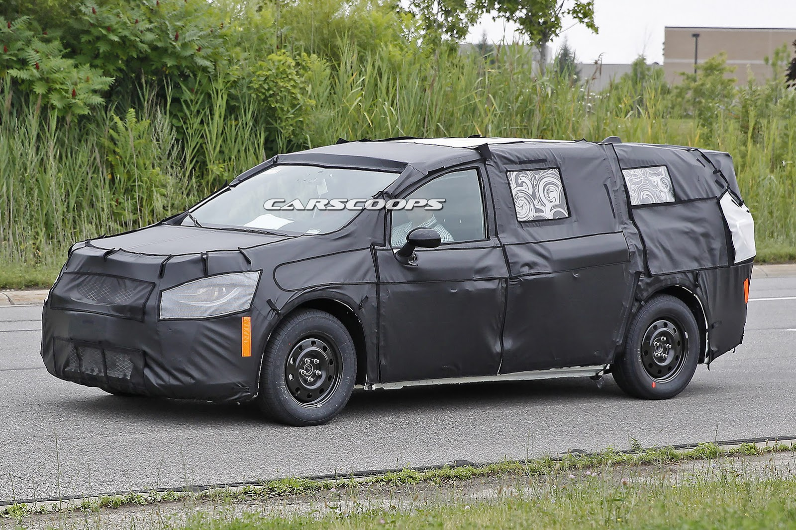 2017 Chrysler Town Country Dodge Grand Caravan Spied For The First Time