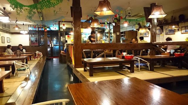 沖縄そば専門店 与那原家の店内の写真